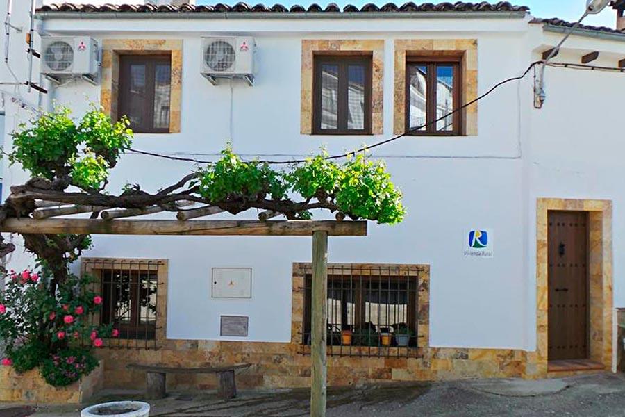 casa-rural-fuente-gusarapos-0